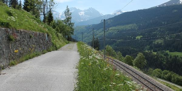 Weg von Bugnei nach Mompé Tujetsch