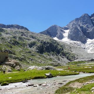 Refuge des Oulettes de Gaube (2151 m)