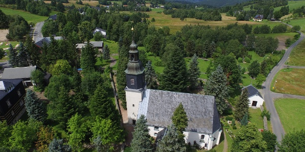 Luftbild von der Schellerhauer Kirche