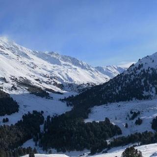 Piz Plazer und Piz Sesvenna links und Mot Falain rechts aus dem Val Schombrina