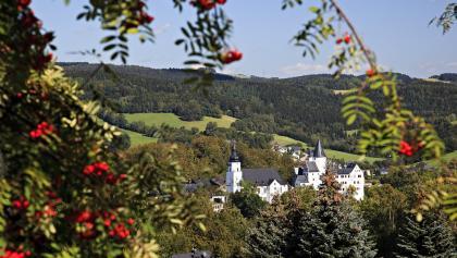 Schloss und Kirche