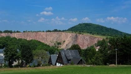 Blick auf Pinge und Geisingberg