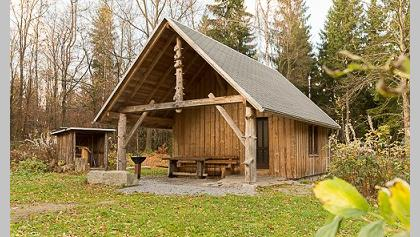 Jagdhütte im Wald