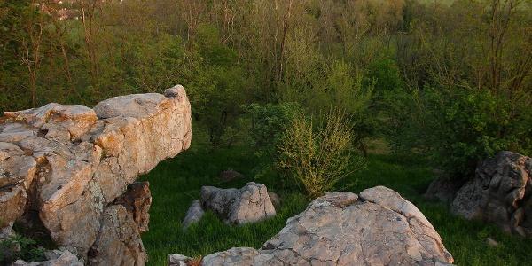 Na vrchole tzv. ingókő - hýbajúceho sa kameňu