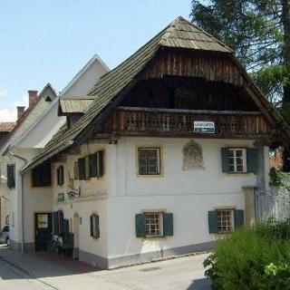 Gasthaus_Sandwirt_Außenansicht