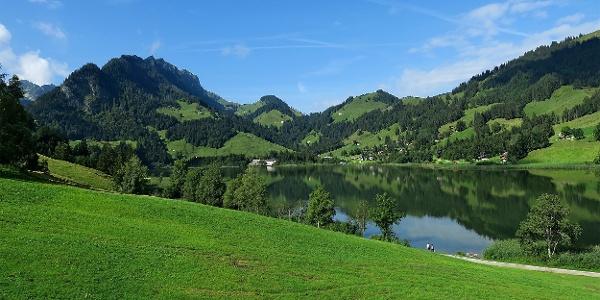Blick auf den Schwarzsee von der Sesselbahn aus.