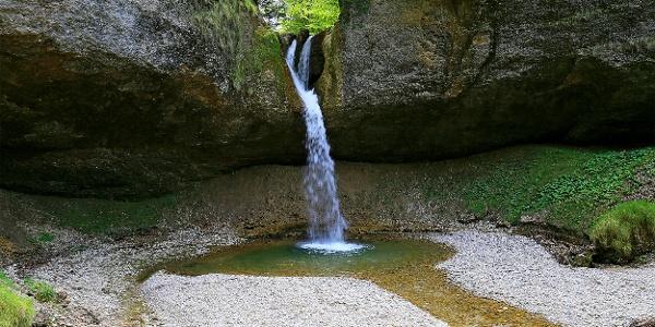 Wasserfall zwischen Tösscheidi und Steg.