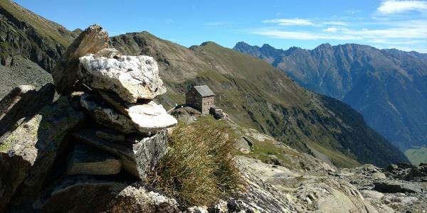 Steinmännchen und Erlanger Hütte