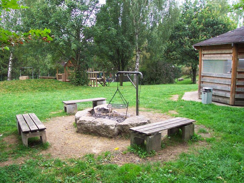 Grillplatz bei der Minigolfanlage   - © Quelle: Gemeinde Rot am See