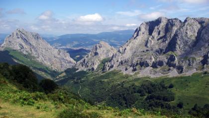 Vista al Parque natural de Urkiola