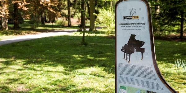 Info Tafel am Steinway-Trail