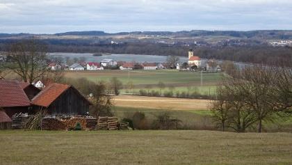 Blick nach Eching und Isarstausee