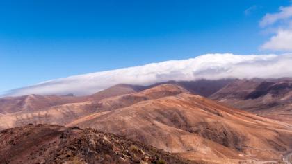 Der Pico de la Zarza hält sich etwas bedeckt