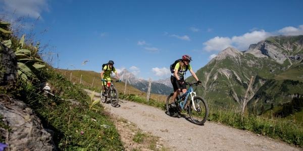 Biken (c) Lech Zuers Tourismus by Lisa Fail
