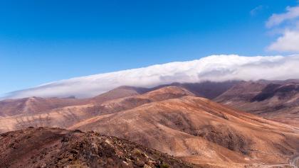 Der Pico de la Zarza haelt sich schon wieder bedeckt