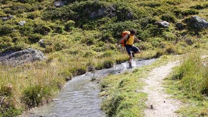 Wasser- und Wanderspass an der Bisse du Levron.