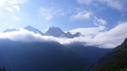 Scheibler und Kuchenspitze morgens vom Aufstieg zum Gstanzjoch gesehen