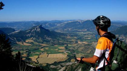 Vue depuis la Montagne d'Aujour sur la vallée de Channe