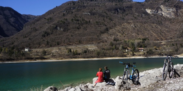 Lake Tenno on a sunny day in March