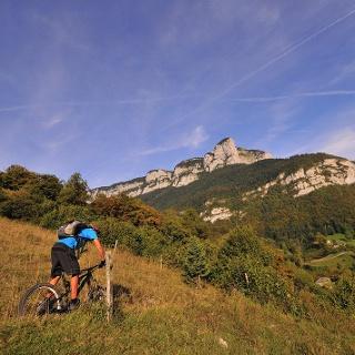 Les falaises de la Chartreuse typiques des Préalpes