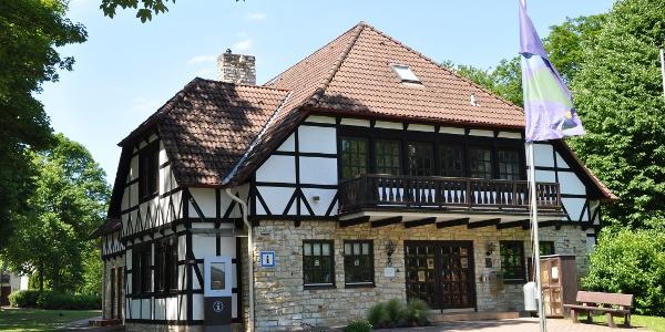 Touristinformation und Erich-Mäder-Glasmuseum in Grünenplan