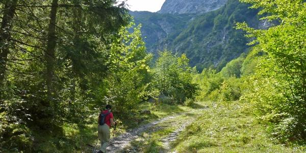 Am Ende des Loferer Hochtales beginnt der Aufstieg zur von-Schmidt-Zabierow-Hütte.