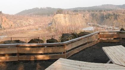 """Aussichtsplattform am Wanderweg """"Spur der Steine"""""""