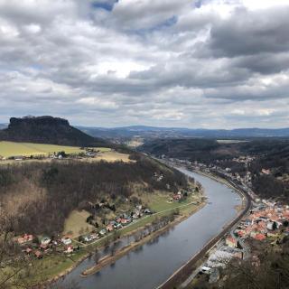 Stadt Königstein mit Aussicht auf den Lielienstein