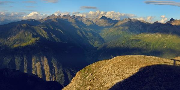Vue sur le parc naturel de la vallée de Binn (Landschaftspark Binntal)
