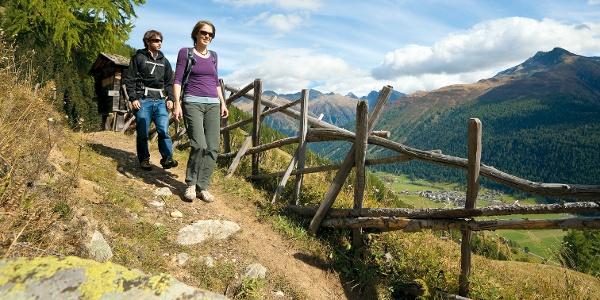 Randonnée sur le Chemin d'altitude de Goms
