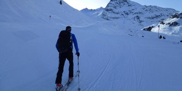 Aufstieg im Bereich Skigebiet in Richtung Schönwieshütte 2266m