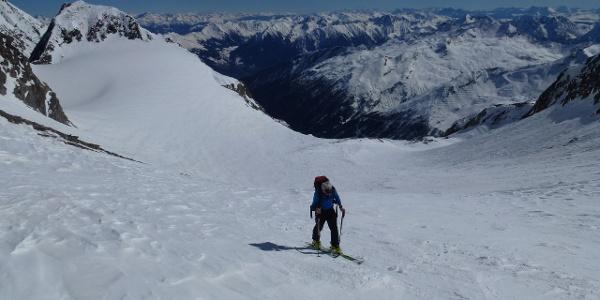 Blick über den Planferner hinweg ins Südtirolerische Parseiertal
