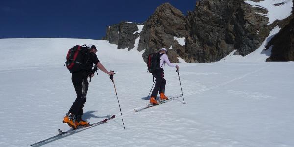 Schöner und weitläufiger Aufstieg hinauf zur Hochvernagtspitze 3535m.