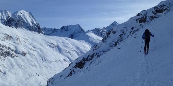 Blick gegen Südosten in Richtung Granatenkogel 3318m, Hochfirst 3403m und Liebenerspitze 3399m