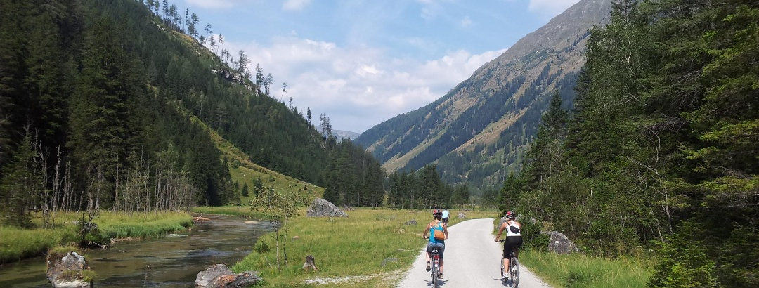Fahrradweg neben der Longa
