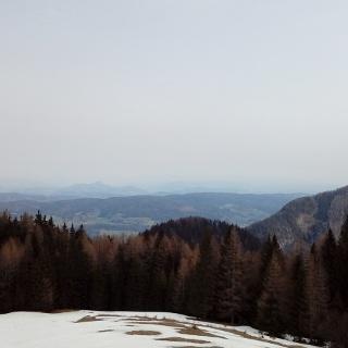 Blick von der unteren Quadiaalm zum Kapellenberg, zur Sattnitz, dem Pyramidenkogel und Ulrichsberg