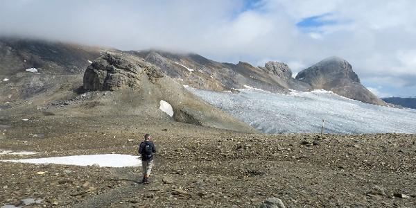 Am Plaine-Morte-Gletscher entlang.