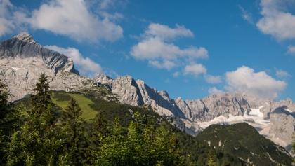 Auf die Zugspitze wandern | Mit Höllentalklamm