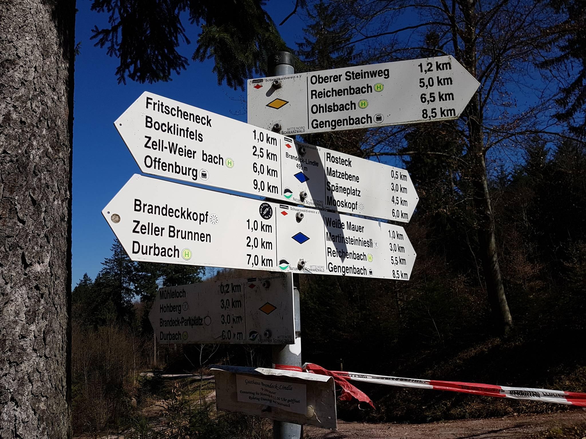Schilder am Brandeck-Lindle