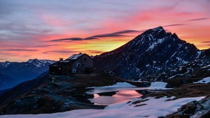 Ein Aufenthalt in einer urigen Berghütte hat viele einen ganz besonderen Charme