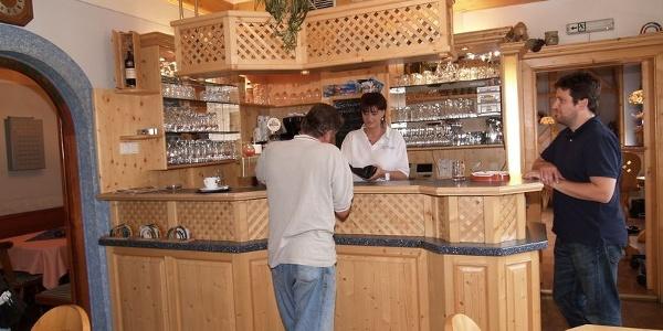 Café-Bäckerei_Kogler_Stallhofen_Theke