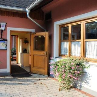 Gasthaus_zum_Kirchenwirt_Eingang