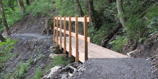 Holzbrücke auf dem Steinbock Lehrpfad