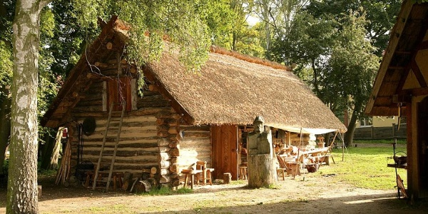Auf dem Gelände der ehemaligen Burg-Castrum Turglowe, in Torgelow, kann man das Mittelalter und dessen Handwerk erleben.