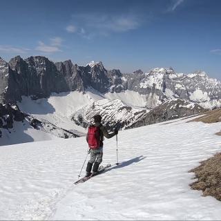(Frühjahrs-) Skitour auf das Gamsjoch aus der Eng nach Strassenöffnung