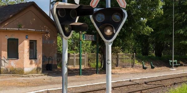 A szebb napokat látott Drégelyvár vasútállomás