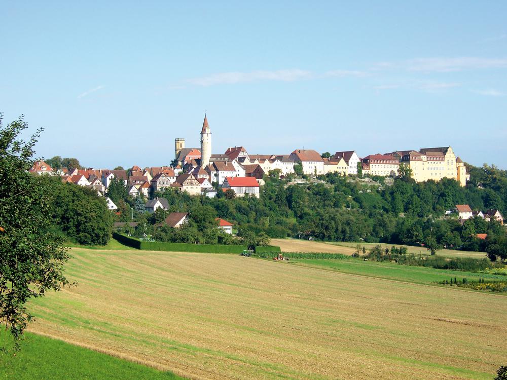 Blick auf Kirchberg/Jagst vom Ockenauer Steig  - @ Autor: Dr. Konrad Lechner  - © Quelle: Hohenlohe + Schwäbisch Hall Tourismus e.V.