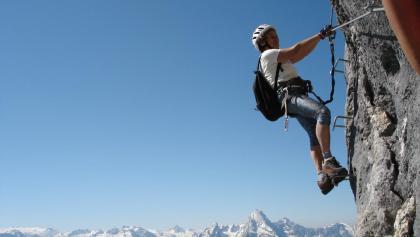 Klettersteig Untersberg : Berchtesgadener hochthronsteig am untersberg klettersteig d