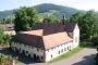 Altes Kapuzinerkloster neben Parkplatz