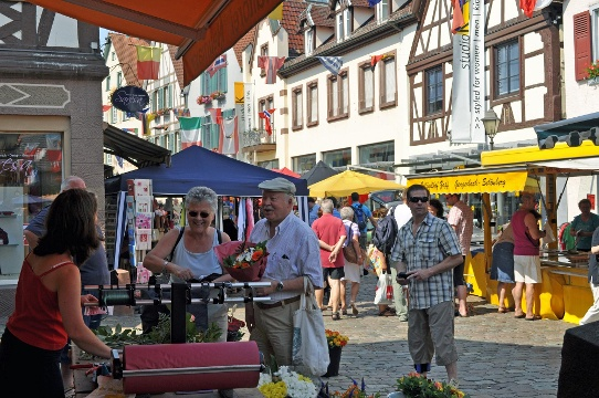 Traditioneller Jahrmarkt in Haslach